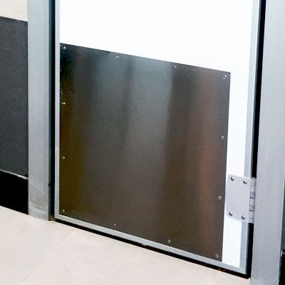 puerta-batiente-rigida-protector-400x400
