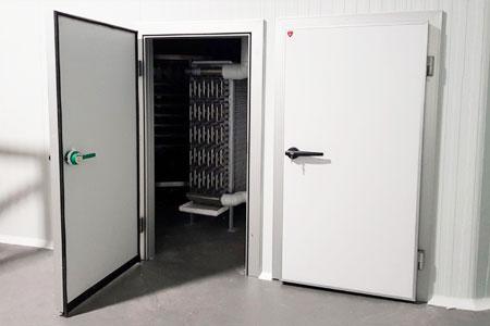 swing cold storage doors