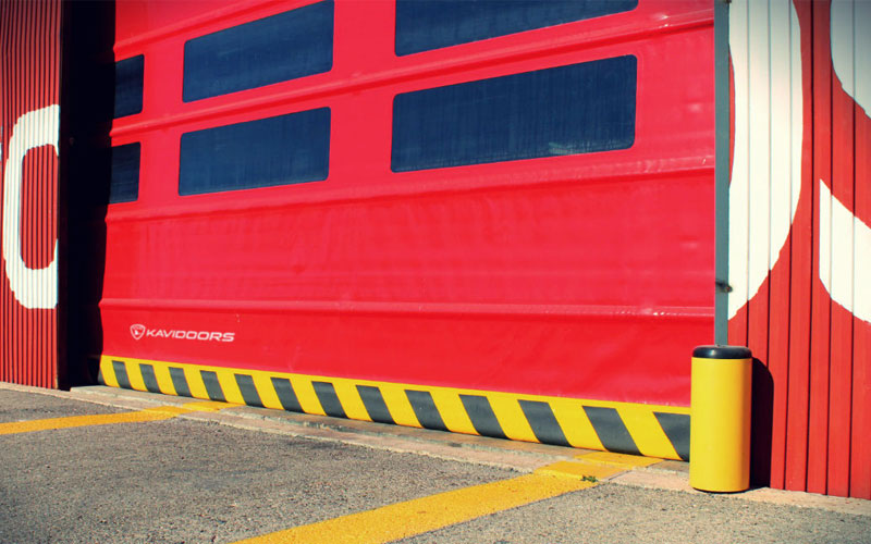 High-speed stacking door