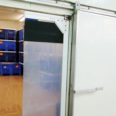 puertas-pivotantes-de-pvc-400x400